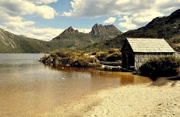 by _Zinni_ on Flickr.Cradle Mountain-Lake St Clair National Park, Tasmania, Australia.