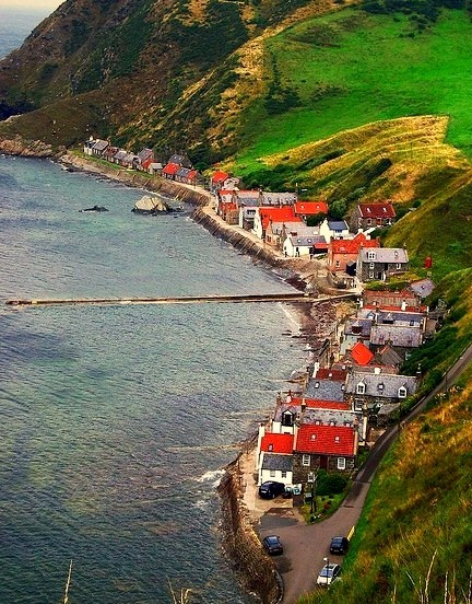 The road ends here, the village of Crovie in Aberdeenshire / Scotland